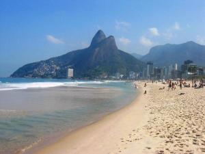 439946-Ipanema-Beach-0