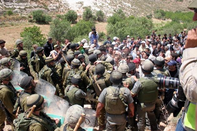 Defense against a peaceful demonstration, Bethlehem