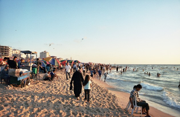 Gaza Beach, before Israeli blockade, 2007. Families together.