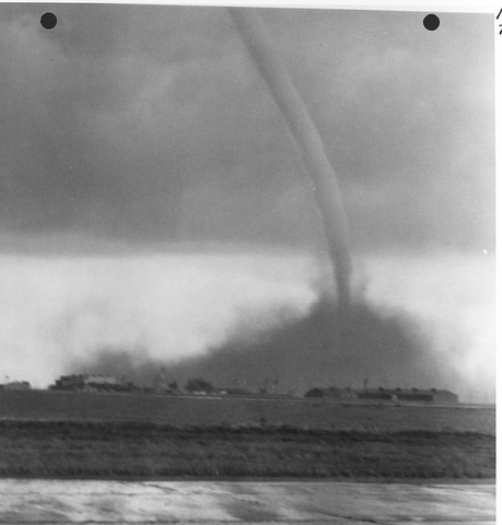 1-Tornado__Scottsbluff_Nebraska_airport-001